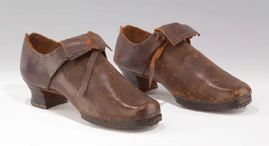 European Leather Buckle or Tie Shoes. 1725 1740. Metropolitan Museum of Art. ny